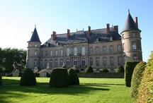 (1)Chateaux de France / by Arlette Bedel