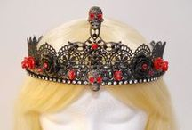 Treasure et Bijoux / Treasure and jewels, jewelry, crowns, tiaras, trinkets, pretty sparkly things and more.