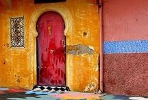 Maroc...la plus belle année de ma vie... / ...était celle de 2001 lorsque j´ai vécue - grace a mon travail - dans ce pays de merveilles!...je l´amais trop...il me manque toujours, je suis tombée amoureus de lui :)...j´y ai recu énormément d´inspirations, j´étais émerveillée pas seulement par cette riche culture, par les gens mais ainsi par tout ce que les artisans savent la....il faut absolument que j´y retourne ercore...et encore :)