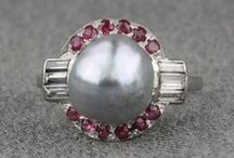 Pearls, Pearls, Pearls / Buying and selling pre-owned pearl jewelry