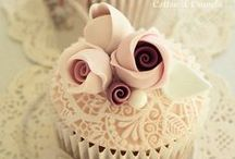 Wedding Cupcakes / A little bit of wedding inspiration in the form of wedding cupcakes...
