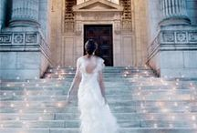 Modern City Wedding Ideas / Use the beauty of an urban landscape for your chic city affair