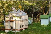 Ornate bee shelter / Verzierte Bienenbeuten