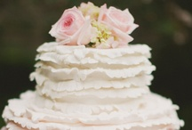Beautiful Wedding Cakes / Delicious Cakes believes that your wedding cake should not only look beautiful, but also taste Delicious! We're here to ensure that your special celebration becomes an extraordinary memory!
