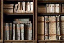 Altered Books and paper art / Libros y toda clase de objetos alterados, diarios, tarjetas,  y arte y juguetes hechos en papel.