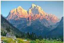 Beautiful Wyoming / We call the scenic Wyoming town of Jackson (sometimes called Jackson Hole) home for a reason. It is one of the most beautiful places in the world to live and it also makes a stunning back drop to your next event. Add to that hollywood scenic backdrop all the lovely wildlife and you have one majestic place.