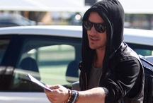 Candids > 25 July 2010 - Perth, AU (Perth Airport) / 2. Candids (Out and about Shannon Leto [Paparazzi]) > 2010 > 25 July 2010 - Perth, AU (Perth Airport)