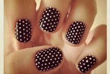 Polka Dots: It's An Obsession / Seeing Spots| Blogger | Surfer | Daydream Fanatic | Authentic Living | Dream Chasing | Comfort Zone Escaping | Empowering people to live courageous lives. Midlife and crushing it! OneSaltyKiss.com