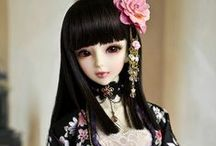 Dolls !...