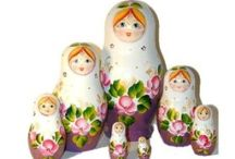 Matrioskas / I love collecting nesting dolls.
