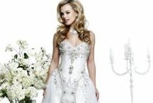 Gorgeous wedding dresses / Looking for bridal-wear inspitation? Then have a look at Dress-Company's board for dream wedding dress inspiration and ideas. #bridalwear #weddingdress #weddinggown