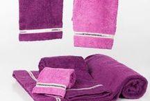 Ropa de Hogar / Variada oferta de ropa de hogar como toallas, sábanas, fundas nórdicas y mantelería.