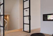 MoreFloors - Vloerenproject in karakteristiek appartement centrum te Breda / Zie hier het prachtige eindresultaat van een perfecte renovatie te Breda dit in samenwerking met SB Invest! Wij hebben hier een verouderde eiken lamelplank van 22 cm breed, handgeschraapt, geborsteld, dubbel gerookt & naturel geolied geïnstalleerd. #verouderdevloeren #multiplank #vloeren #eiken #morefloors #vtwonen #handgeschraapt #geborsteldeiken #gerookteiken #wakol #vloerenbreda #theartofliving #obly #nofilter