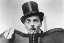 Max Linder / Max Linder, inventeur du burlesque, inspira les plus grands comiques de Charlie Chaplin à Jacques Tati. Dans ce tableau ses films sont à l'honneur pour retrouver l'humour, le charme et l'élégance de cet incorrigible séducteur / by Editions Montparnasse