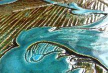Tiles by Anna Czarnocka-Nakrewicz / #tiles #modernceramictiles #ceramictiles #nomenomenstudio #nomenomenceramics #carvedclay #paintedtile #annaczarnocka #carvedtile #czarnockanakrewicz #czarnakrewicz
