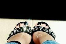 Zapatos/shoes / #Zapatos, #tacos,#heels... Los llames como los llames, todas estamos obsesionadas... #yoamozapatos #shoe #shoes #ropa #correr #stilettos #tacones #highheels #fashion #moda #pumps #flats #sexy #pantyhose #shoeaddiction