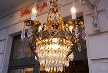 """Kronleuchter - wunderschöne Meisterwerke! / Galerie """"Sac-à-perle"""" mit sehr schönen seltenen antiken Kronleuchter und alten Lampen!"""