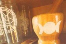 ☽ apoths curious cabinet ☾ / ☽ natural medicine and charm cabinet of curious ☾ #bohemefit #magic