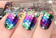 All that GLITTERS... / by NAILgasmTV
