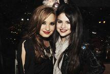 Delena / Selena Gomez & Demi Lovato