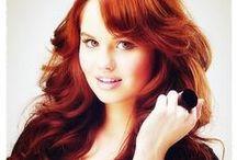 Ruby Saphira Queen / ● 6. Jahr ● Gryffindor ● Märchenfigur: Rotkäppchen ● Quidditch: Hüter ● Ava: Debby Ryan
