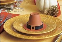 Thanksgiving Pot Crafts / Thanksgiving is the perfect time to be with family & friends creating fun crafts together.  You can take a simple terracotta clay flowerpot and turn it into something special.