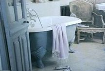 Claw Foot Tubs, Old Sinks, Bathroom Decor - vintage, antique style / Get some inspiration here!  / by Dennie's Resurfacing LLC