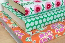 No Sew Fabric Projects / No sew fabric craft ideas - no sew fabric flowers, blankets, scarves, and more.