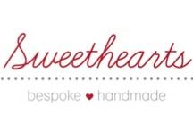 Handmade Sweets / Όλες μας οι λιχουδιές είναι σπιτικές και φτιάχνονται ειδικά για εσάς κατόπιν παραγγελίας με αγνά, φρέσκα υλικά. Έτσι, δεν υπάρχει περιορισμός στην επιλογή των γεύσεων. Σας προσφέρουμε την δυνατότητα να επιλέξετε εσείς ό,τι σας αρέσει και ό,τι ταιριάζει ανάλογα με την περίσταση.  bespoke ❤ handmade