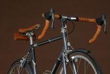 Bicycles / Bicicletas / Vélos / 自転車
