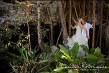 Tropical Destination Wedding Picture Gallery- LMDWeddings / Different tropical wedding picture options for destination Weddings.