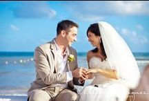 Beach Destination Wedding photos- LMDWeddings / Here are some wonderful couples pictures on the beach for your destination wedding photo idea book. We would be happy to provide you with more information about her work. Contact us today at 778 578 7555. Liz Moore Destination Weddings.