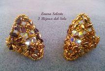 Anello Soraya / Anello realizzato con superduo e cristalli Swarovski. Ring with superduo beads and Swarovki crystals. Progetto di Nunzia Scalpore