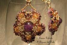 Orecchini con pietre dure, cristalli Swarovski e perline Miyuki / Earrings with semiprecious stones, crystals Swarovski and Miyuki beads