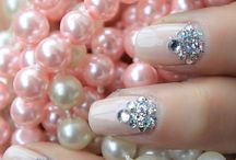 Beauty, Makeup & Nails / Lovely