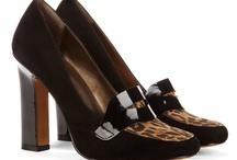 Zapatos, Botas y Sandalias. / by Cony Gomez M.