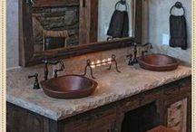 Banheiros / Amo banheiros românticos, com flores e estilo campestre bem exóticos.