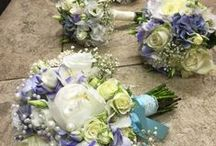 Bridesmaid flowers / Beautiful bridesmaid flowers to flow with the overall design of the day.