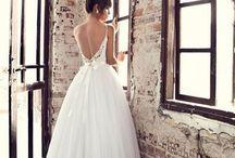 Menyasszonyi ruhák-wedding dresses-csokrok