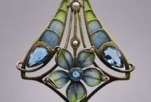 jewelry / mainly art nouveau and art deco jewelries