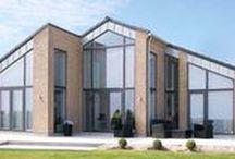 Enkle linjer & stram arkitektur – Lind & Risør / Når du bygger nyt med Lind & Risør kan selv helt bestemme, hvordan dit nye hus skal se ud. I denne opslagstavle giver vi plads til nogle af vores huse med et enkelt udtryk, en stram arkitektur.