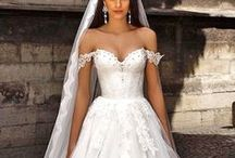 Simply Wedding Dresses / Your wedding dress and your bridal party.