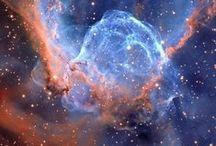 Universe / Quelles merveilles a faites notre Créateur..! Du monde de l'infiniment petit à celui de l'infiniment grand; tant d'éléments agencés avec une telle perfection et précision (l'axe de notre Terre est réglé au degré près et sans cela nous ne pourrions y vivre par exemple) qu'il faudrait renoncer à tout bon sens et à toute logique pour penser sérieusement que le pur hasard puissent en être à l'origine  - Our Creator is truly amazing! May He be praised now and forever! <3