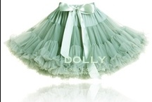 DOLLY by Le Petit Tom® petti skirts / Light chiffon skirt for instant princess looks! Wear casual with or without stockings or panties. If there is a party... well you always wear your DOLLY of course!              Für kleine Tänzerinnen, Ballettmäuse, Träumerinnen, Prinzessinnen und Feen.  классическая нижняя юбка, нижняя юбка с элас- тичнымпоясом и атласной лентой сделанной из многих слоёв из мягкого 100% нейлонового шифона