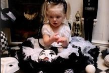 """COCO CHANEL / majstrovsky hviezdna COCO CHANEL  Dymovo biela sukňa v kombinácii s čiernou pre hviezdne Dolly dievčatá """"A girl should be two things : classy and fabulous"""" Návrhárka Coco Chanel"""