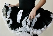 BLACK BEAUTY / horsy elegant Black Beauty pettiskirt