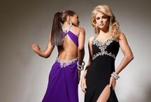 Fashion - Gowns / by Phillipa Reid