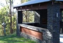 Stacked Stone Cladding, Stone Wall / Stone Cladding, Stack Stone and Stacked Stone Range is made up of Wall Cladding. Ledgestone, Rockface or Light weight styles, all are stocked at Stone & Slate Discounts. Delivery Australia Wide Door to Door.