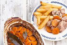 """Recettes du Nord-pas-de-calais / Vous aimez les spécialités culinaires françaises, et vous souhaitez découvrir et tester des recettes régionales ? Découvrez notre tableau """"Spécialités du Nord-pas-de-calais"""" avec nos épingles de plats et desserts gourmands. Au menu : moules-frites, spéculoos, gaufres, tarte au maroilles, cramique, endives gratinées, tarte au sucre, lapin à la bière, etc... Un régal !"""