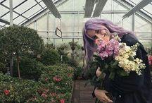 aesthetic - flowers / nicer in a bundle.